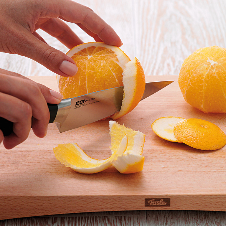 Sectioning oranges